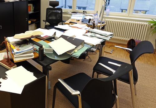 Three tips to declutter your desk be a wealthy therapist with casey truffo - Important thing consider decluttering ...