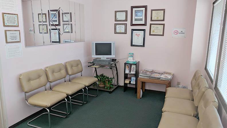 290pomonalobbywaitingroom.jpg
