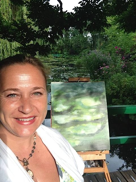 Shiloh Sophia Paints in Monet's Garden